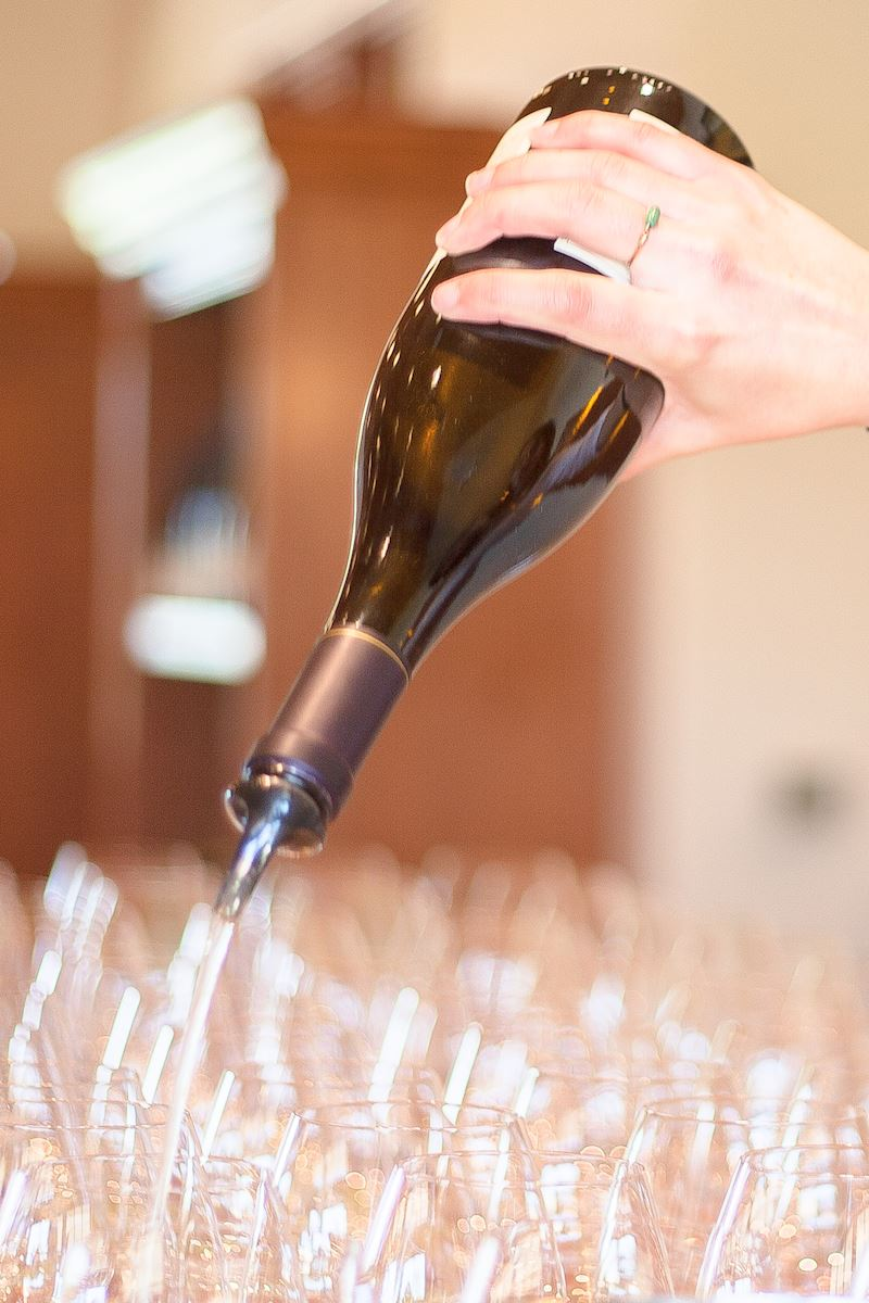 Chardonnay pouring at Foley Estates
