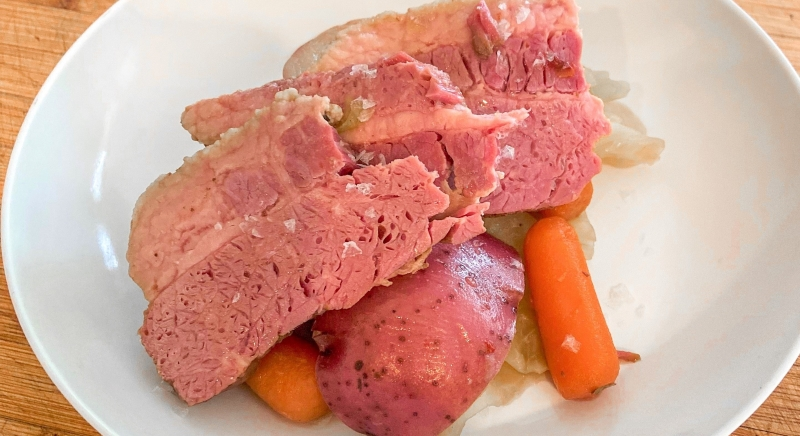 Corned Beef With Potatoes, Cabbage, and Carrots